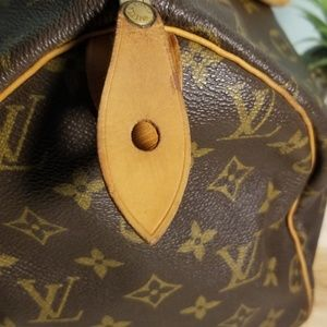 Louis Vuitton Bags - Vintage Louis Vitton